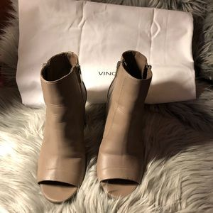 Vince open toe bootie. Leather Taupe color 5.5